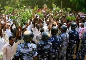 تصویر تظاهرات سودانیها برعلیه فرانسه ودر حمایت از مسلمانان آفریقای مرکزی