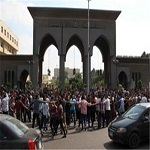 تصویر اخراج ۲۲ دانشجوی دانشگاه الازهر به اتهام شرکت در تظاهرات