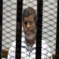 تصویر فرزند مرسی: مسئولان مصر از ملاقات با پدرم در زندان طره ممانعت میکنند