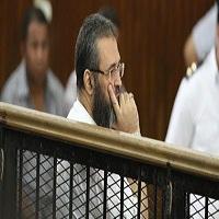 تصویر حکم حبس علیه مفتی اخوان المسلمین و ۲ رهبر دیگر این گروه در مصر
