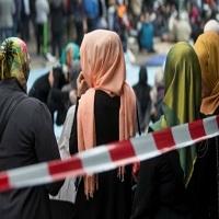 تصویر تظاهرات اتریشیها در اعتراض به ممنوعیت حجاب