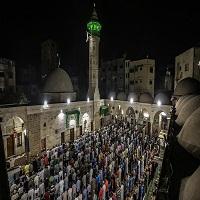 تصویر اعتراض مردم غزه به ممنوعیت پخش اذان در قدس