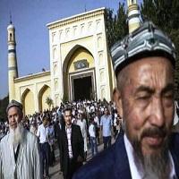 تصویر دخالت چین در مناسک دینی مسلمانان ترکستان شرقی/ از تعیین سوره های نماز تا تغییر اذان