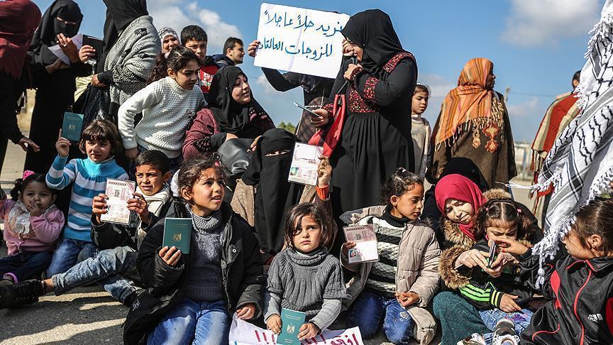 تصویر تظاهرات فلسطینیان نوار غزه برای بازگشایی گذرگاه رفح