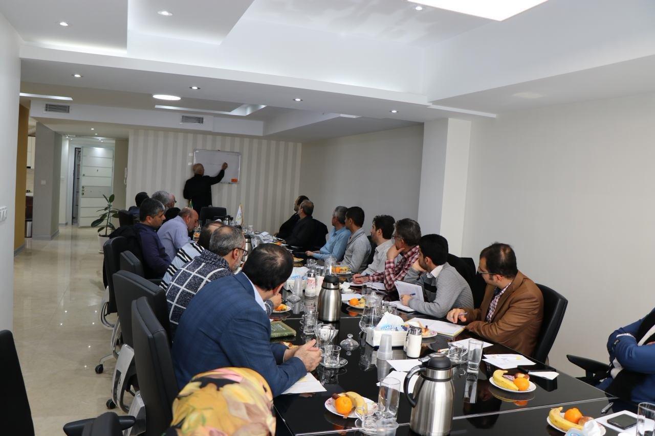 تصویر نشست «هویّتهای قومی و جماعت دعوت و اصلاح» در تهران برگزار شد