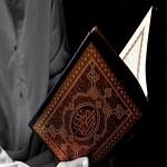 تصویر مشاجرهای که باب تشرف به اسلام را برای کارگر آسیایی گشود