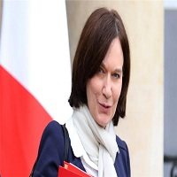 تصویر توهین بی سابقه وزیر فرانسوی به زنان مسلمان