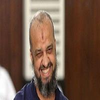 تصویر اخراج عضو ارشد اخوان المسلمین مصر از دانشگاه الازهر