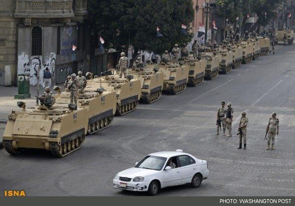 تصویر تدابیر شدید امنیتی جهت برگزاری همه پرسی قانون اساسی مصر