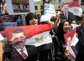 تصویر تظاهرات حامیان مرسی همچنان ادامه دارد.