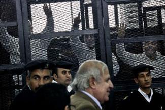 تصویر ترس قضات از محاکمه رهبران اخوان المسلمین