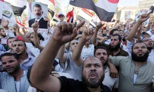 Photo of ادامه تظاهرات حامیان مرسی