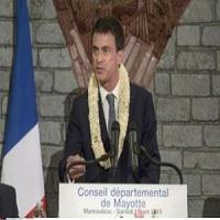 تصویر نخست وزیر فرانسه: اسلام با دمکراسی سازگار است