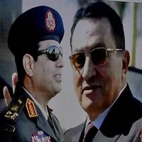تصویر توصیه مبارک به مصریها: از سیسی حمایت کنید