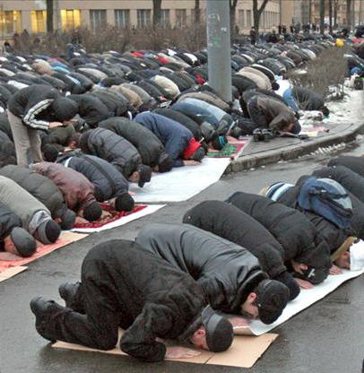تصویر استقبال اسپانیا یی ها از دین اسلام
