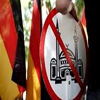 تصویر دو سیاستمدار آلمانی خواستار حذف نمادهای اسلامی از این کشور شدند