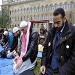 تصویر هر سال در انگلیس پنج هزار نفر مسلمان می شوند