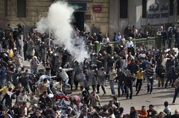 تصویر ادامه وگسترش اعتراضات به کودتا با وجود سرکوبها