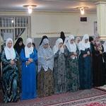 تصویر حکم بیرون رفتن زنان از منزل برای ادای نماز تراویح چیست ؟