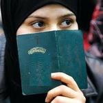 تصویر داستان استقامت زن با ایمان